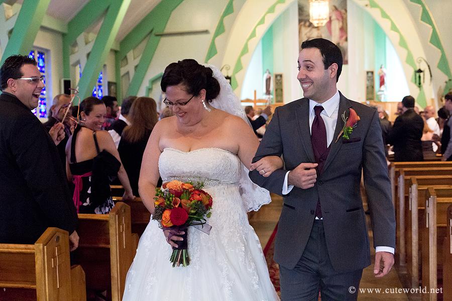 ceremonie-mariage-sortie-eglise-photo