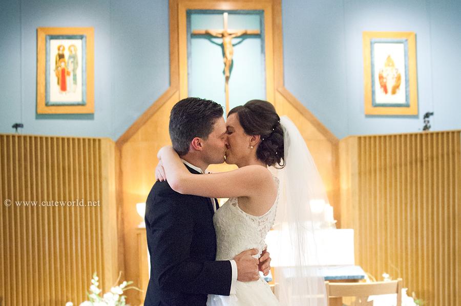 photographe mariage baiser égrlise