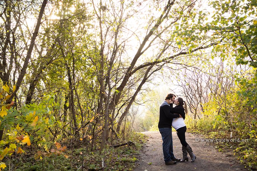 photographe-maternite-couple-bois